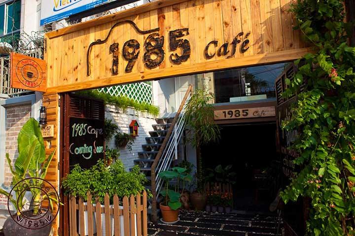 1985 cafe acoustic quan 10