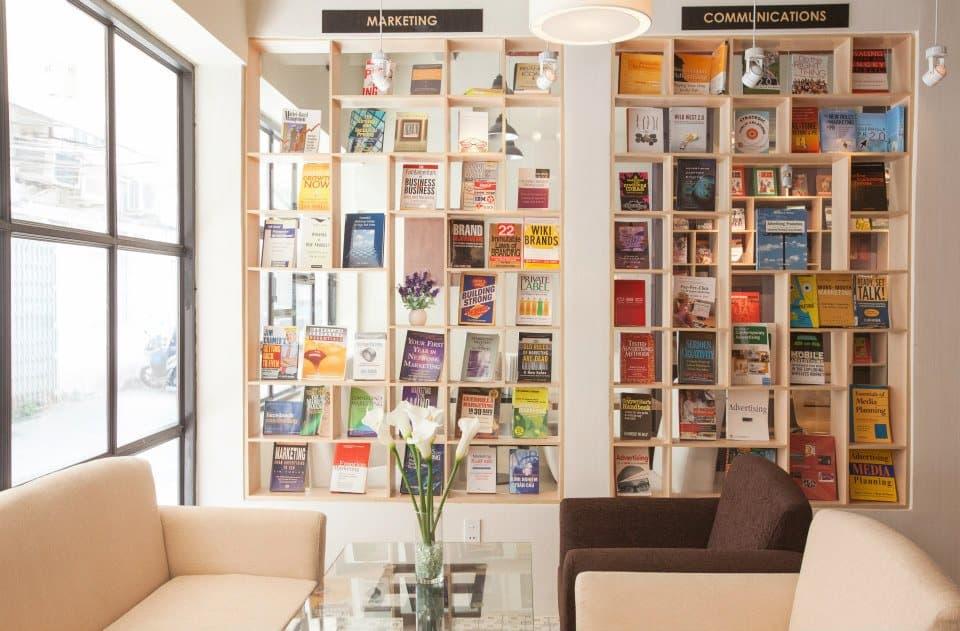 FYI Bookcafe 4