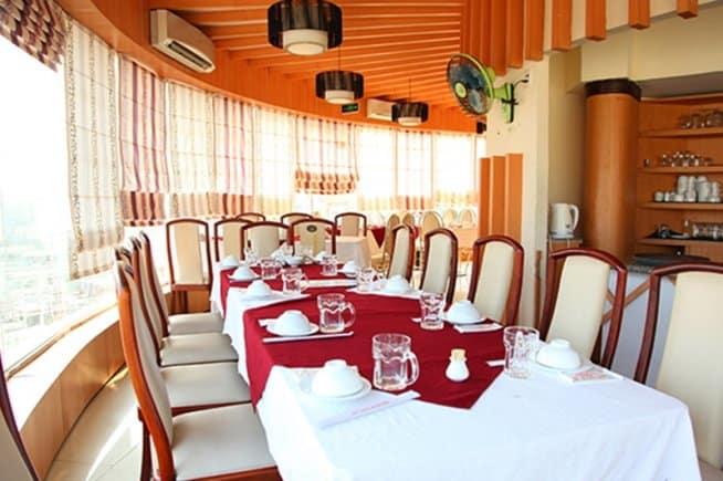 Nhà hàng Xoay Hoàng Gia 4