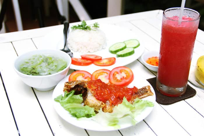 chuong gio cafe nguyen dinh chinh 4