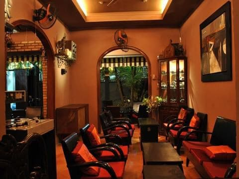 svarga bar cafe nguyen thi minh khai 1