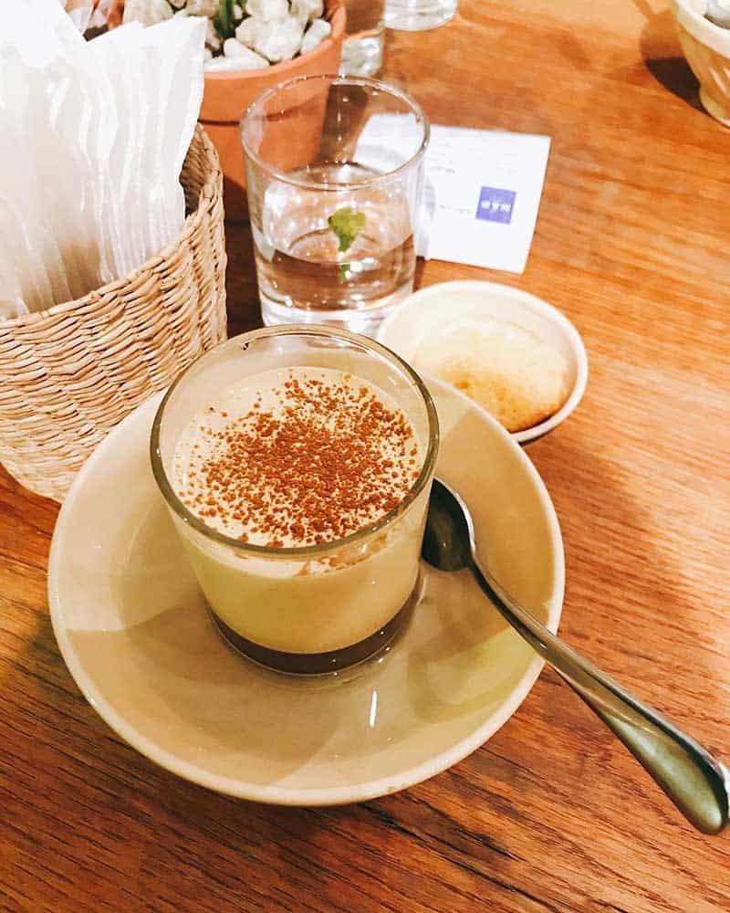 quan cafe nap saigon