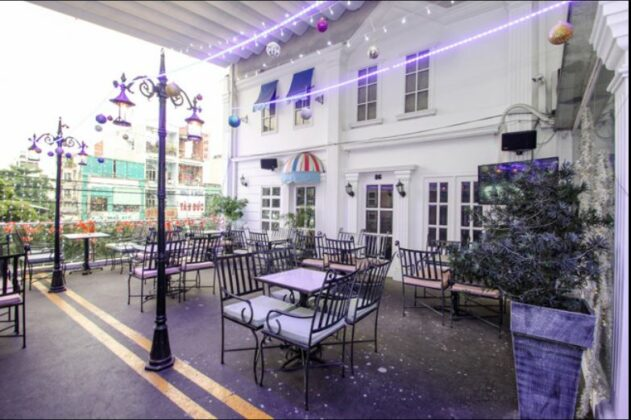 Cafe Boulevard 8