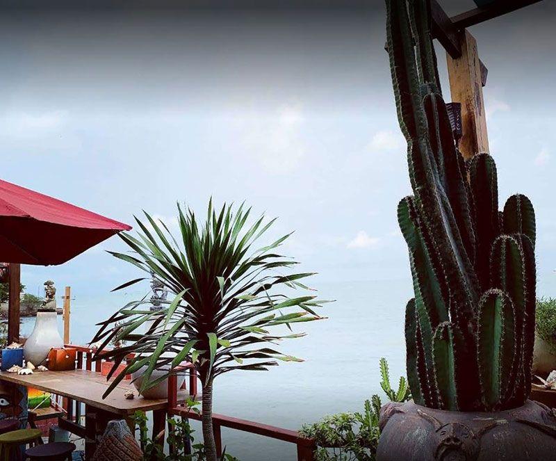 Beach Stop Lounge Cafe 3