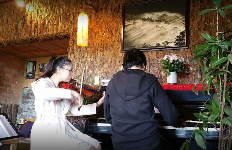 Cafe Guitar moc can nha xua 4
