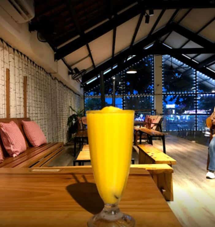 Danang Souvenirs Cafe 2