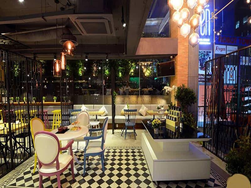En Tea House 9