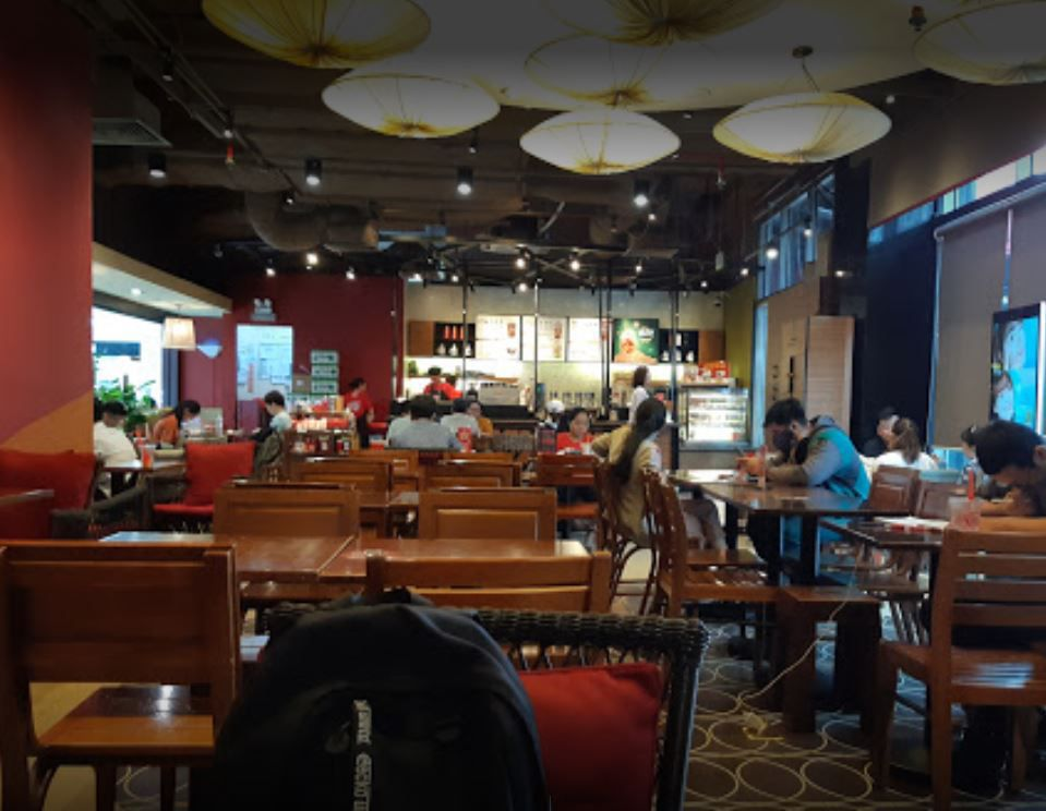 Highlands Coffee Parkson 1