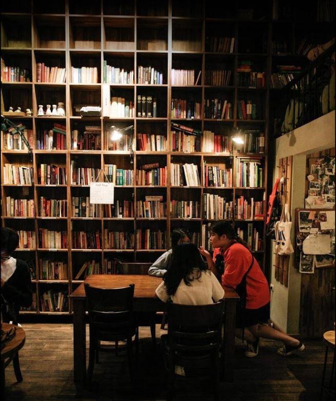 Tranquil Books & Coffee Nguyễn Quang Bích - Cafe Sách Hà Nội