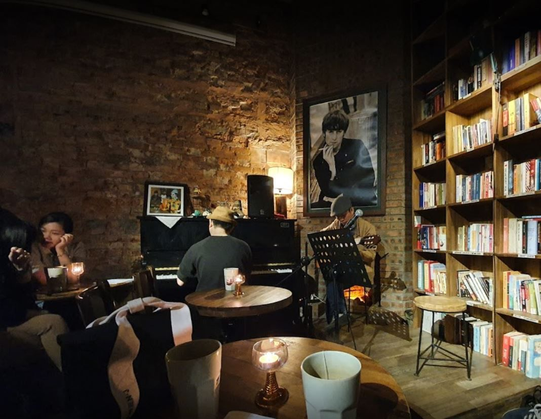 Tranquil Books Coffee Nguyen Quang Bich 2