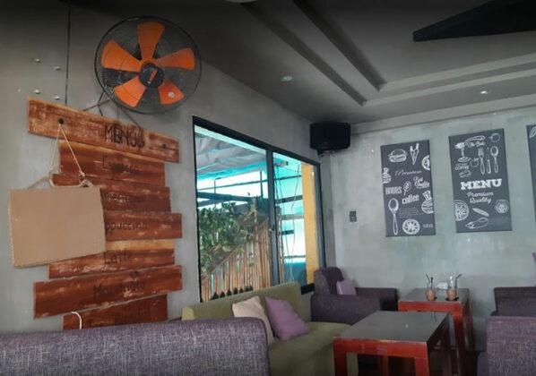 Yesterday Coffee Shop hoa su 1