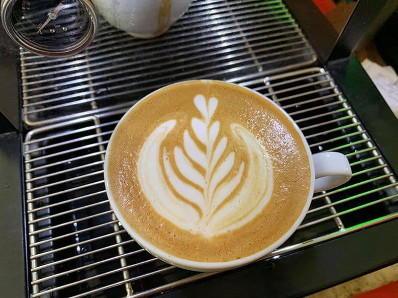 ak cafe hoang dieu phu nhuan 4
