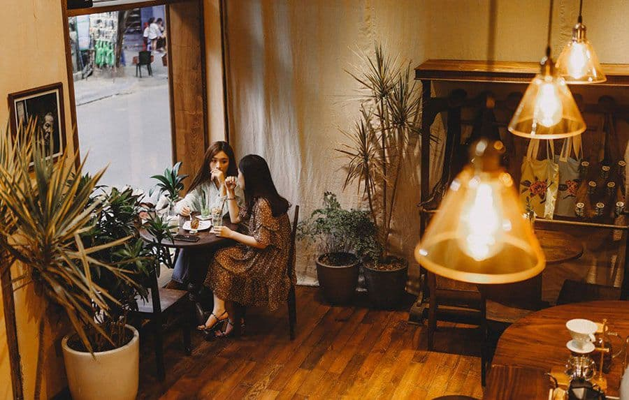 ban cong cafe 4