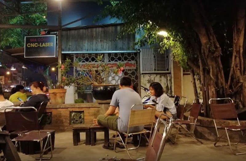 Cafe cây si - cafe Phạm Văn Đồng