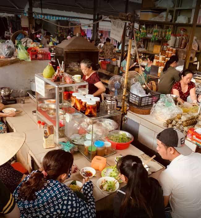 Chợ Bà Hoa khu chợ đầy hấp dẫn