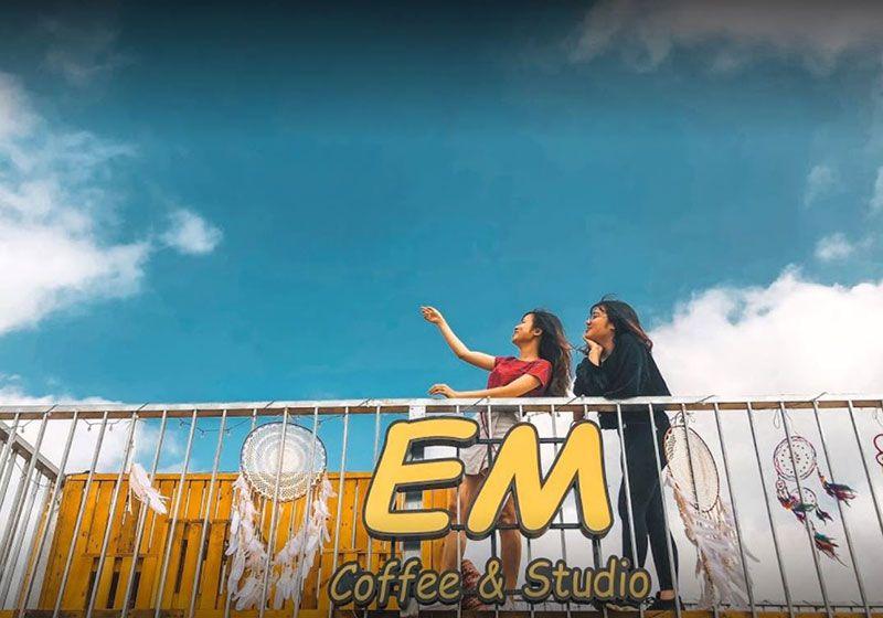 em rooftop coffee 2