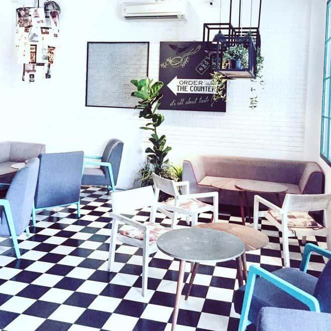 m2c cafe 2