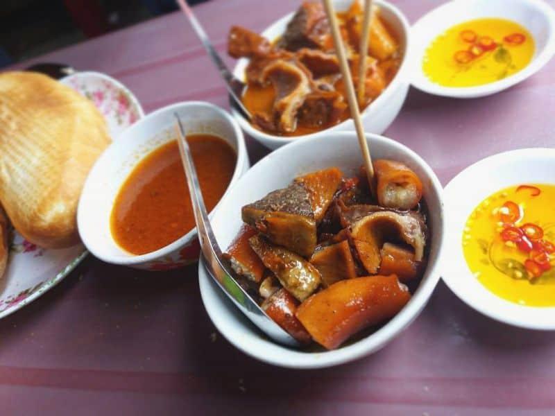 Phá Lấu Bò Cô Thảo quán ăn vặt quận 4 ngon