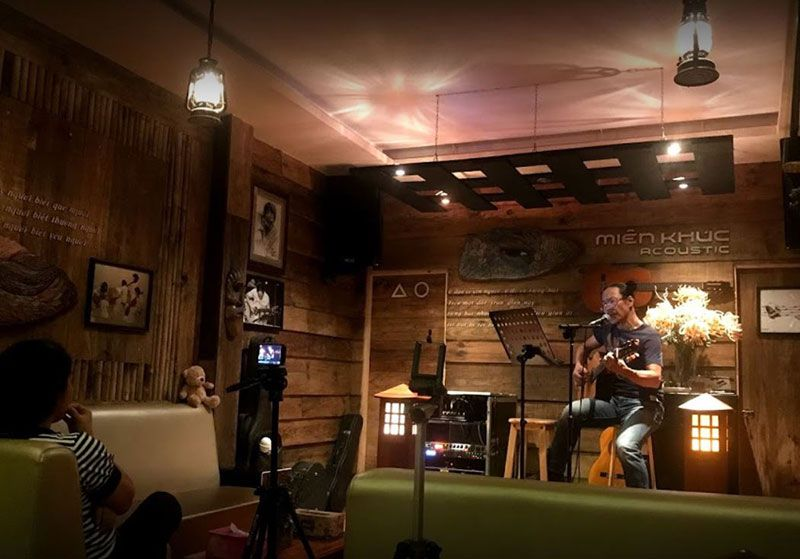 phong tra Acoustic Mien Khuc 1