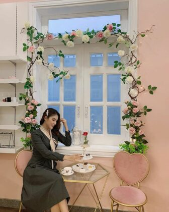 pink blink blink coffee tea house 5