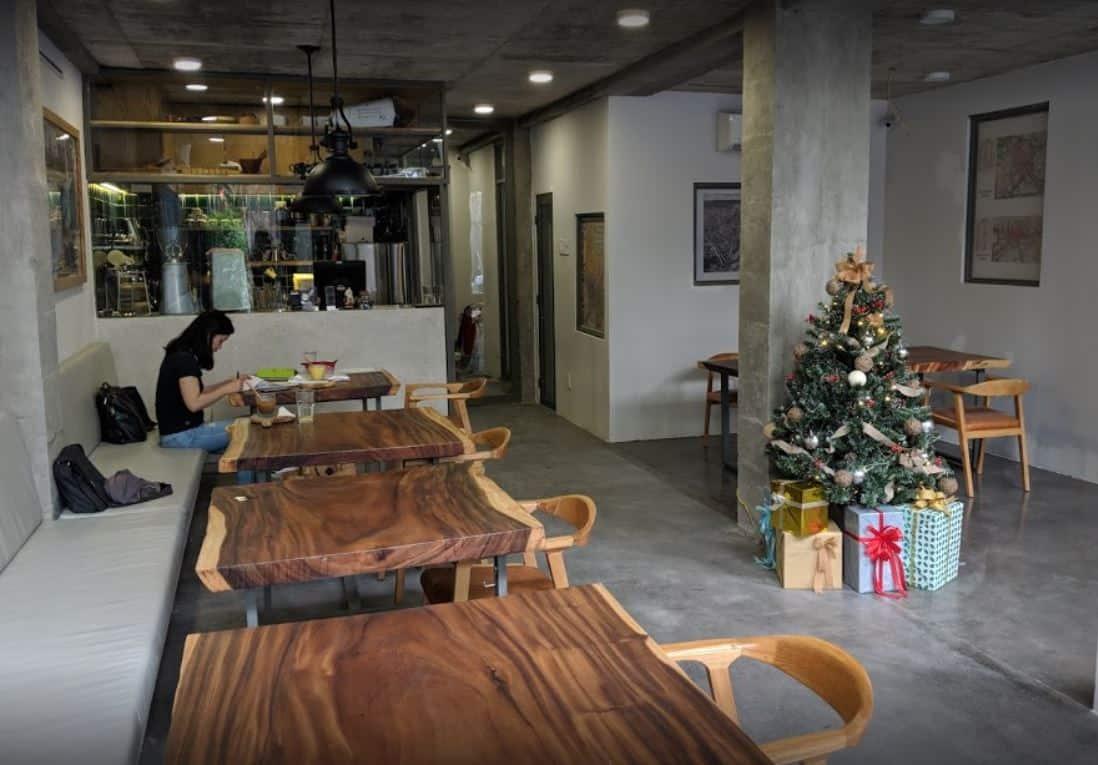 work saigon cafe q1 1